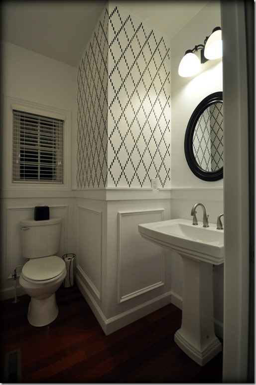 stenciled-poweder-room-black-white