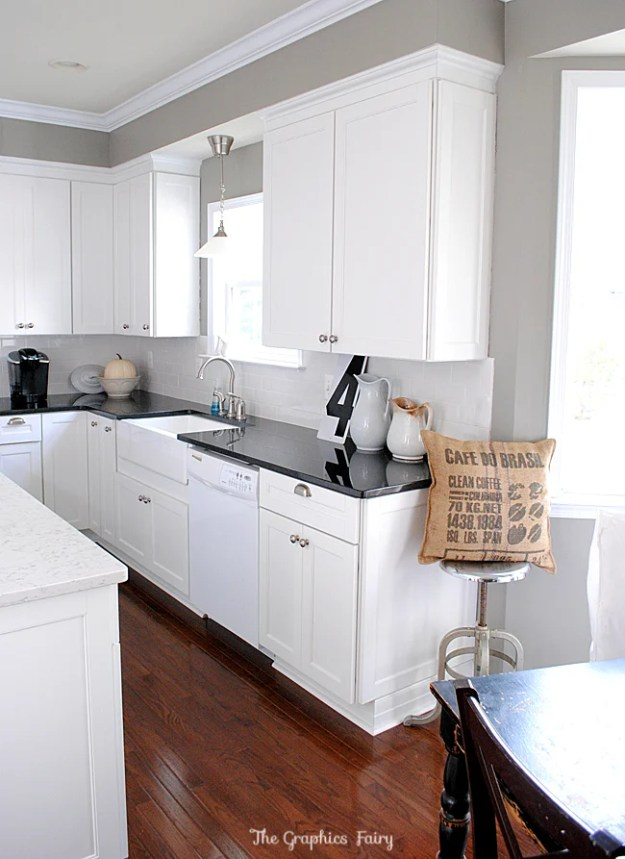 18-bright-white-kitchen