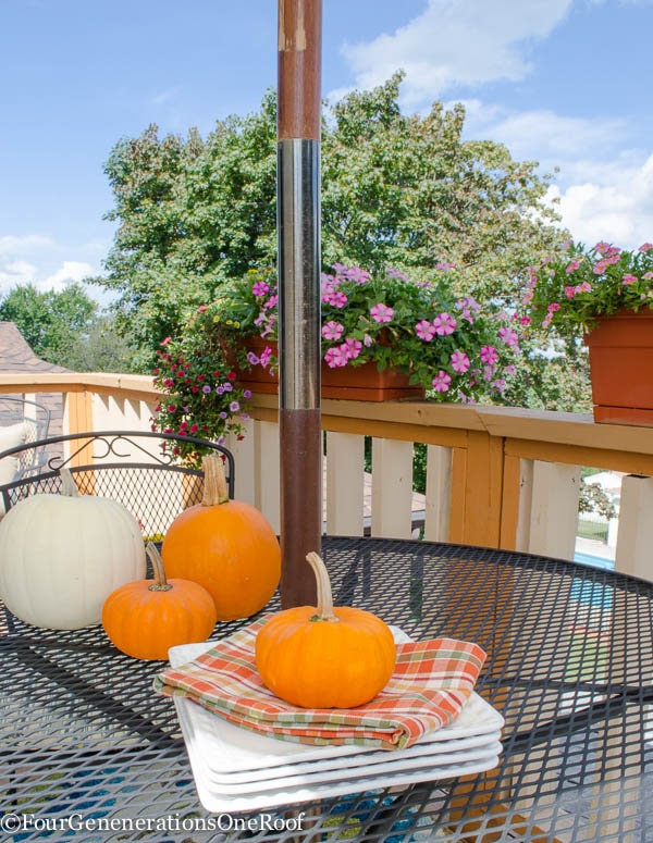 fall porch makeover {Surprise Gram!}