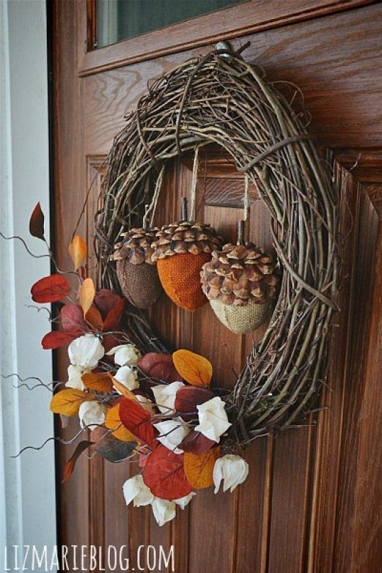 stuffed-acorn-wreath