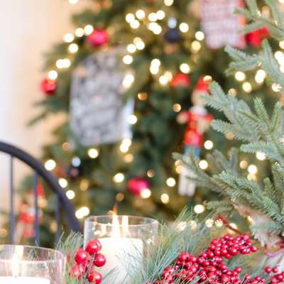 10 Minute – Christmas Tablescape with Greens