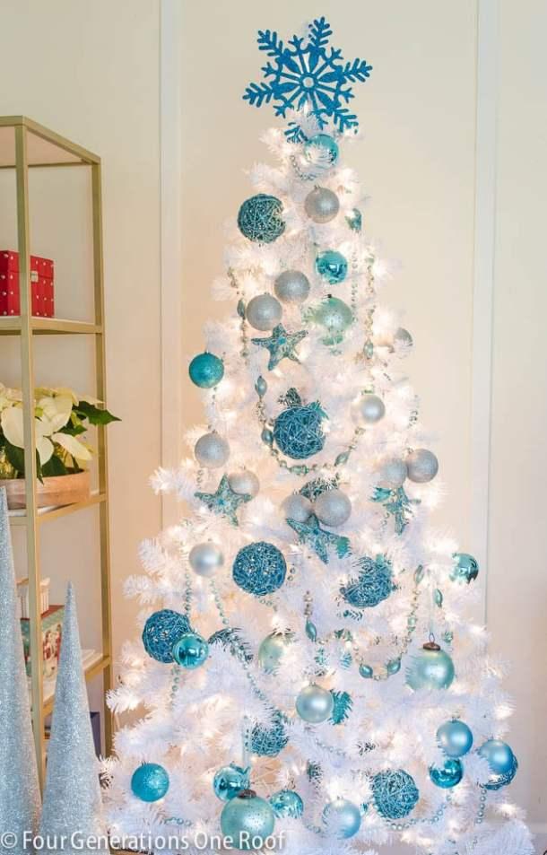 White-Blue-snowflake-starfish-tree
