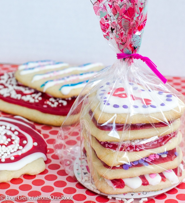 Valentine treat ideas: Decorating Valentines Day Cookies
