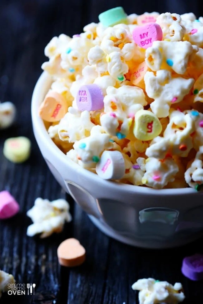 Valentine treat ideas: Valentines White Chocolate Popcorn by Gimme Some Oven