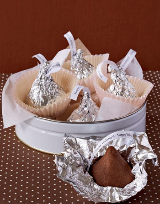 40-valentine-treats-giant-kiss-cookies