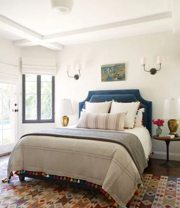 36-cozy-master-bedrooms-layer-tassles-color