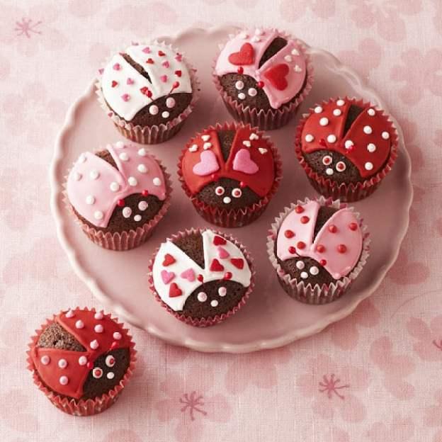 40-valentine-treats-lovebug-cupcakes