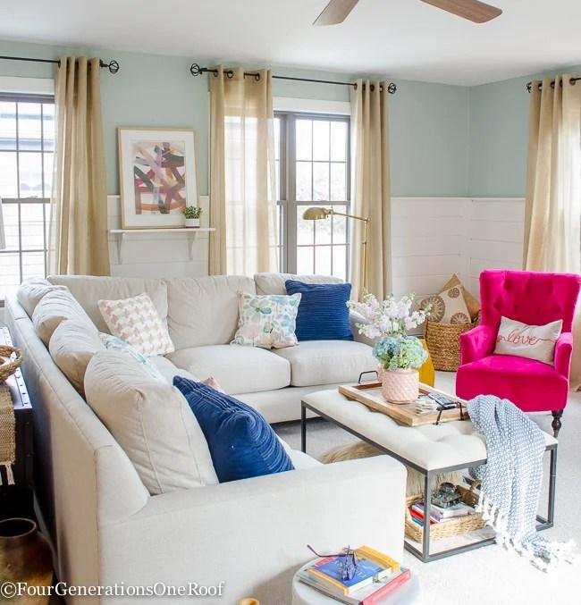 Classy Spring Decor In Grey Living Room