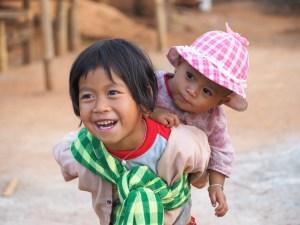 Pa-O girls, Myanmar