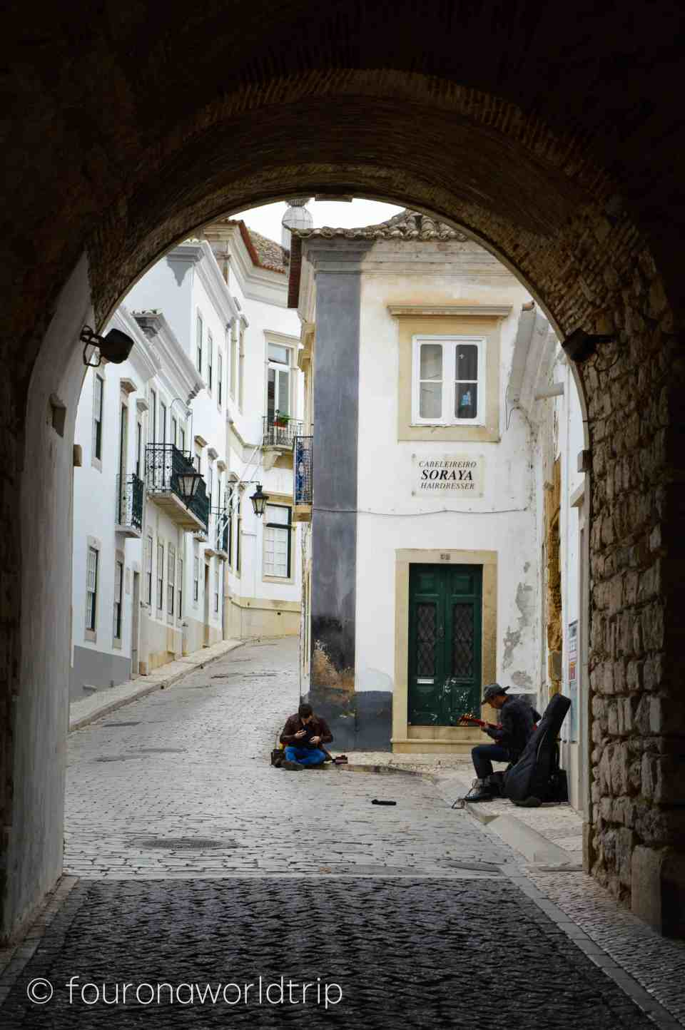 Arco da Vila Gate in Faro - start of our old town walking tour