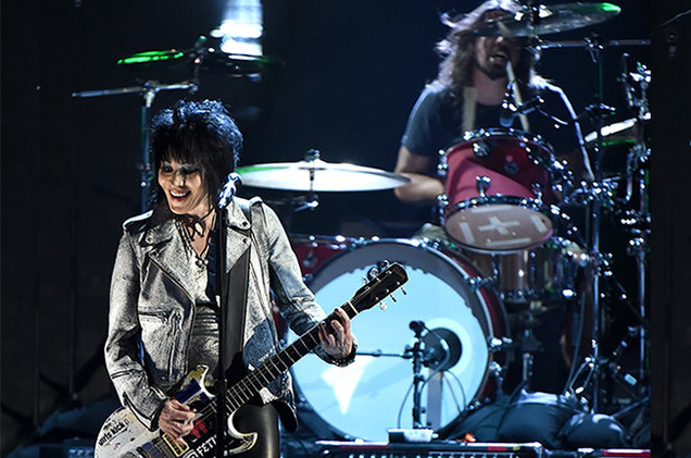 Joan Jett performs with Nirvana at Saint Vitus
