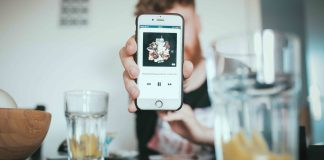 iTunes   Photo by Igor Miske on Unsplash