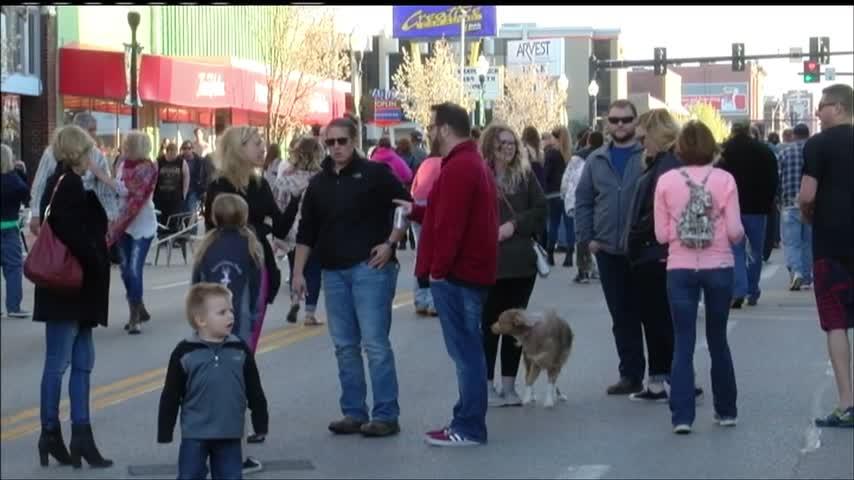 Joplin community gathers for Third Thursday kick-off_52002718