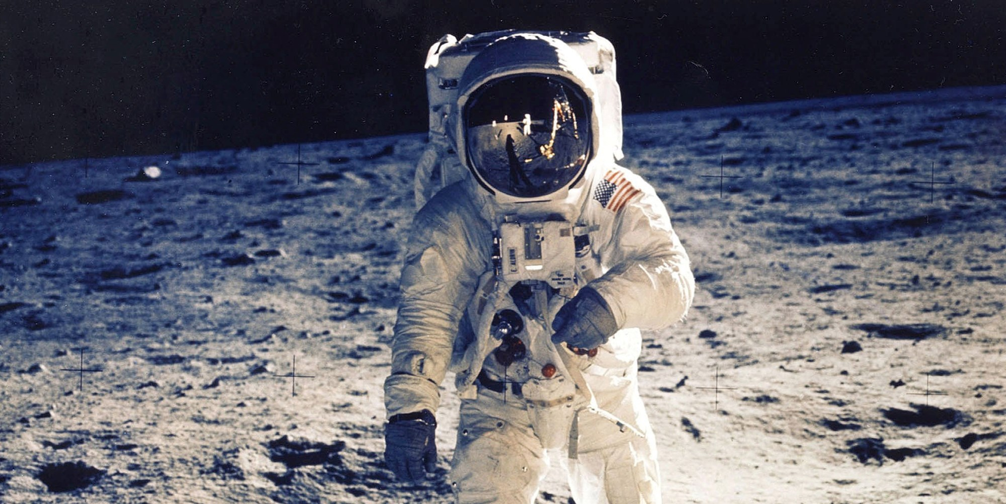 180614-moon-landing-main-art-mn-1320_0e52324668308de1049c41bf173d780a.fit-2000w_1528999962890.jpg