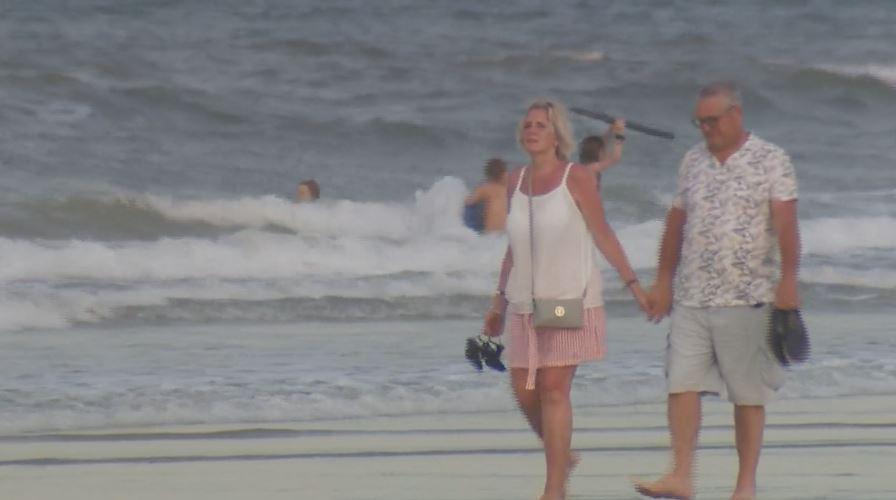 2 people bitten by sharks minutes apart at Florida beach | KSNF/KODE