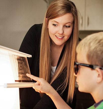 Foveal-vision-training-little-boy-testing-eyes