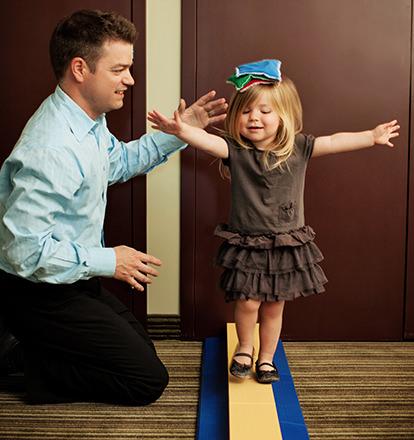 Foveal-Vision-Training-Girl-Balancing