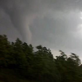 Tornado_9212160352865568141