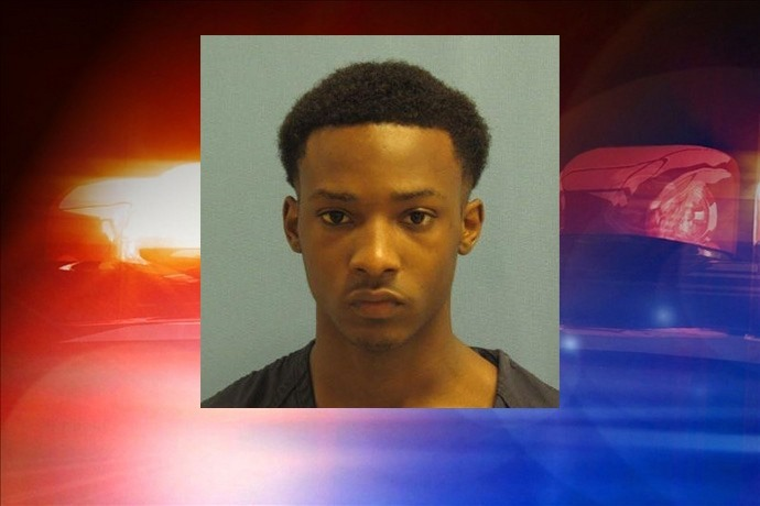 20-year-old Deonte Edison _-752415169295990043