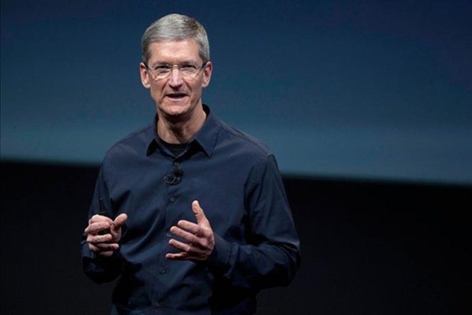 Apple CEO Tim Cook calls on Gov. Hutchinson to veto HB1228 _-1119257329652840826