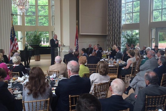 @_joshberry (Gov Hutchinson announces leg. special session this month to discuss defense proj in S. Ark to bring 500+ jobs_-2257041255045052545