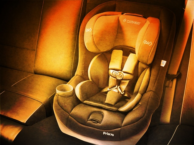 hot car heat deaths children left in cars car seat_28818