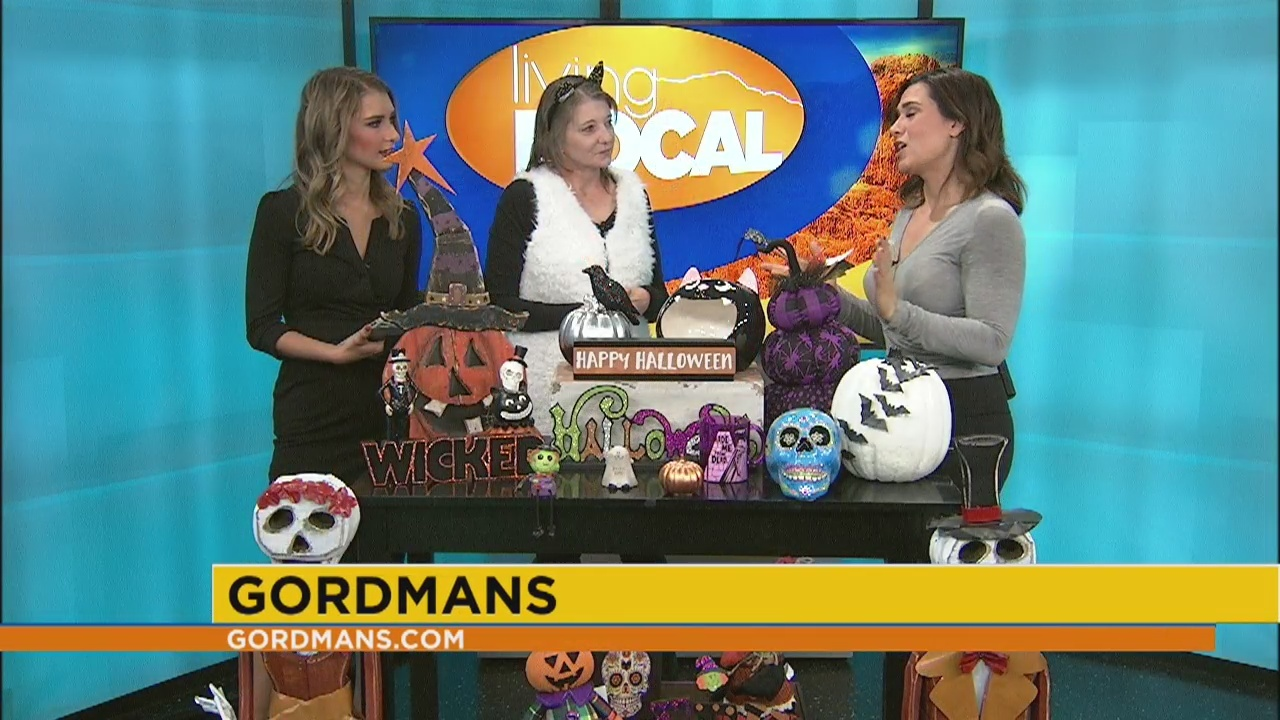 The stores are starting to put out halloween gear. It S Not Too Late To Decorate For Halloween
