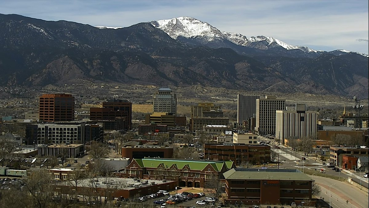 Nice areas to live in colorado springs