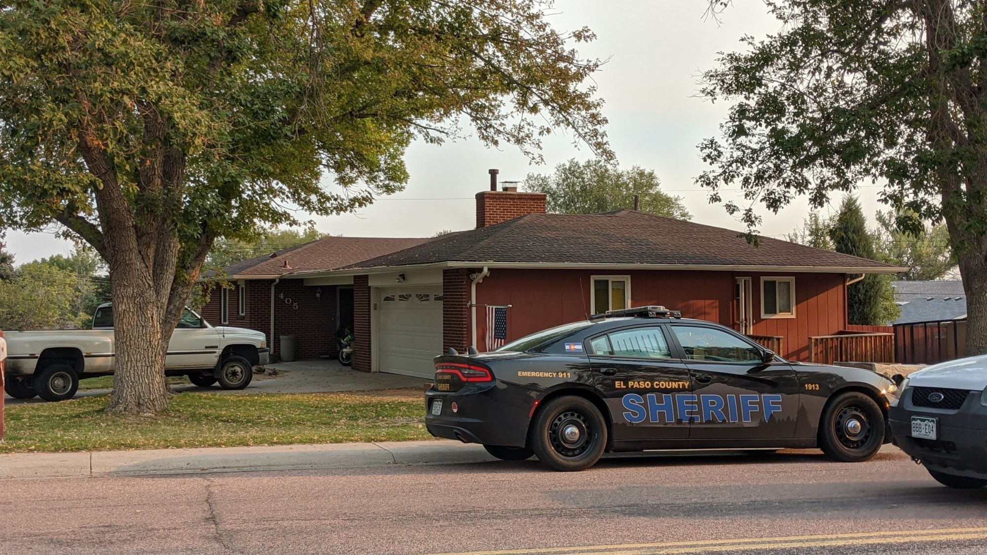 Deputies on the scene of a shooting in southern Colorado Springs Wednesday morning. / Brandon Seffrood - FOX21 News