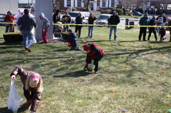 2010-easter-egg-hunt-189
