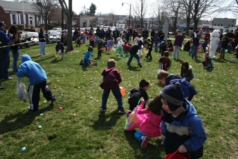2011-easter-egg-hunt-10