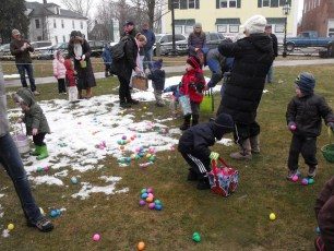 2015-easter-egg-hunt-102