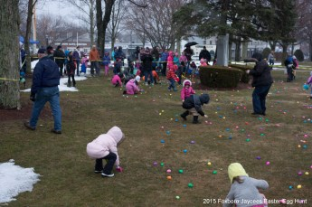2015-easter-egg-hunt-325