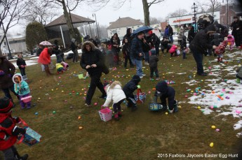 2015-easter-egg-hunt-330