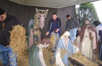 2008-christmas-nativity-30