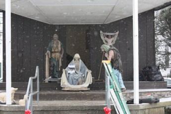 2012-nativity-setup-121