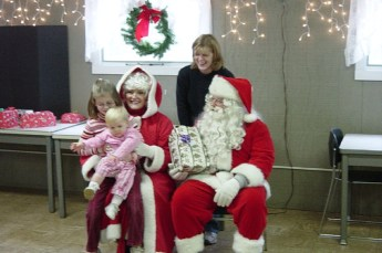 2006-kids-christmas-party-09