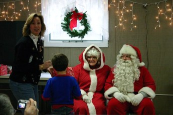 2006-kids-christmas-party-27