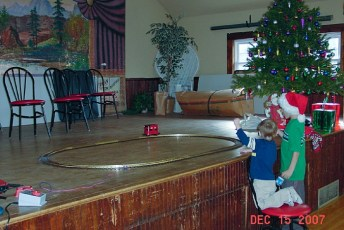 2007-kids-christmas-party-39