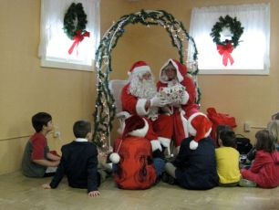 2008-kids-christmas-party-57