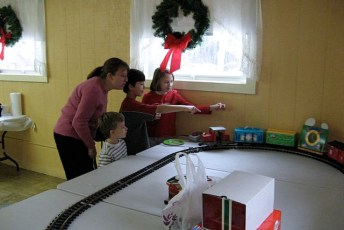 2008-kids-christmas-party-83