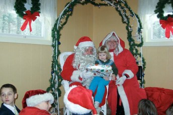 2008-kids-christmas-party-93
