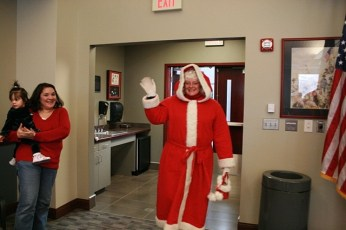 2009-kids-christmas-party-117