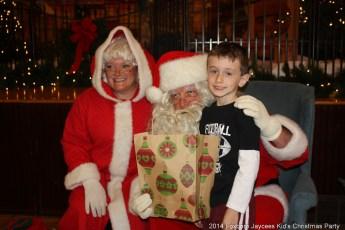 2014-jaycee-christmas-kids-party-029