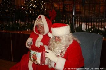 2014-jaycee-christmas-kids-party-033