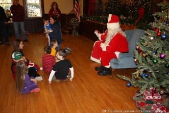 2014-jaycee-christmas-kids-party-039