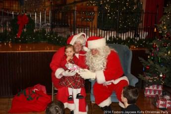 2014-jaycee-christmas-kids-party-044