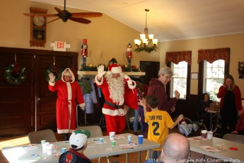 2014-jaycee-christmas-kids-party-056