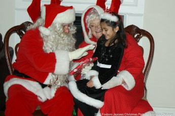 2015-jaycee-christmas-kids-party-018