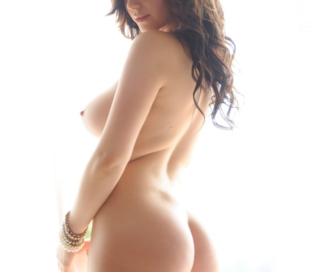 Lindsey Strutt Naked Girl